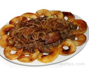 Liver with Onions and  Apples