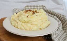 cheesy mashed potatoes with bacon bits Recipe