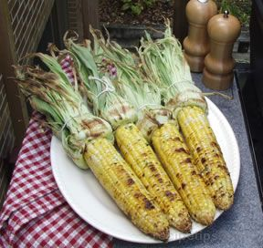 Grilled Sweet Corn with Garlic Butter