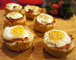 ham egg and toast cups Recipe