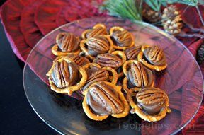 easy pretzel turtles Recipe
