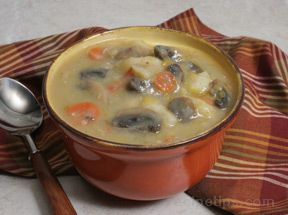 Potato Soup with Mushrooms and Leeks