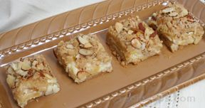 almond cheesecake apple bars Recipe