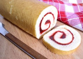 raspberry jelly roll cake Recipe