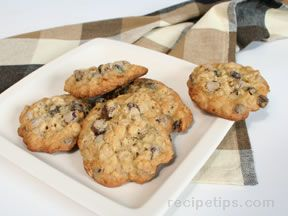 chocolate raisin oatmeal cookies Recipe