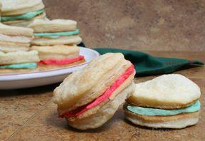 Christmas Sandwich Cremes