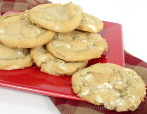 Macadamia Nut Cookies with White Chocolate
