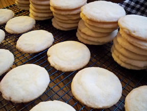 Crispy Powdered Sugar Cookies