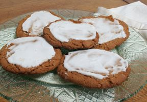 Frosted Ginger Snaps