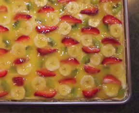fruit pizza with glaze topping Recipe