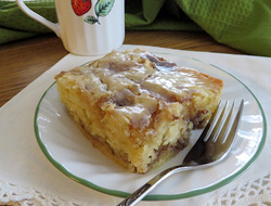 Glazed Cinnamon Roll Cake Recipe