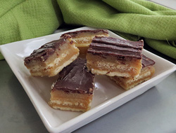 gooey caramel cracker bars Recipe