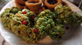 green wreath christmas cookies Recipe