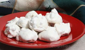 Overnight Meringue Cookies