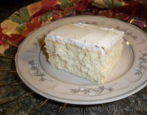 Moms Simple White Cake