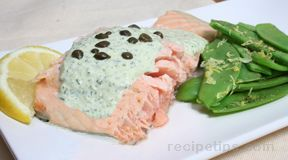 Poached Salmon with Tarragon Sauce