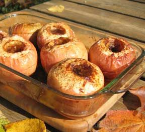 Baked  Apples Stuffed With Raisins Recipe