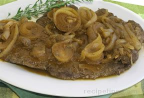 Smothered Round Steak  Onions