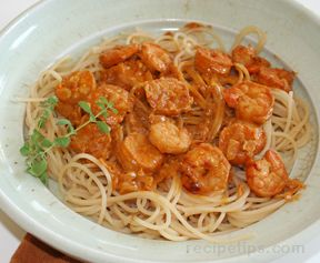 Pasta with Shrimp in Creamy Paprika Sauce