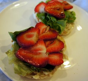 creamy strawberry balsamic open-faced sandwich Recipe