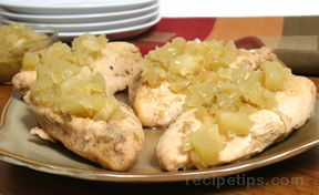 spiced chicken breasts with apple-jalapeño chutney Recipe