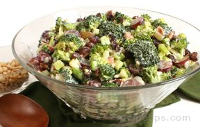 broccoli grape salad Recipe