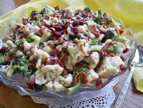 creamy cauliflower broccoli salad Recipe