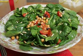 Wilted Spinach Salad with Chickpeas Recipe