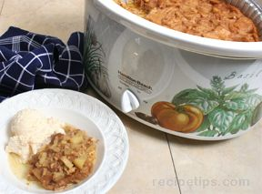 Slow Cooker Apple and Cinnamon Bread Pudding