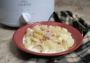Slow Cooker Creamy Scalloped Potatoes and Ham