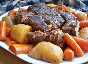 Crock Pot Roast Beef and Vegetables