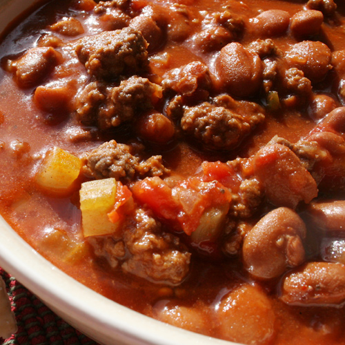 Aug 01, · Beef and Bean Chili: Outside of Texas, a bowl of this recipe is commonplace and frequents Game Day parties throughout the fall and winter. It gets its flavor from a beef, bean and tomato base. It gets its flavor from a beef, bean and tomato critics-lucky.mlgs: 4.