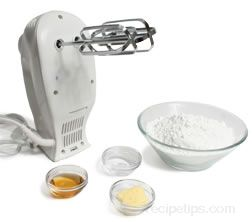 how to make frosting with powdered sugar and water