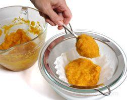 preparing homemade pumpkin puree Article