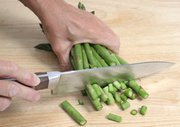 How to Prepare Asparagus for Cooking